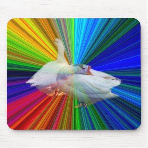 dois gansos brancos no fundo muito extravagante mousepad