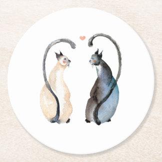 Dois gatos no amor porta-copo de papel redondo