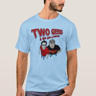 Dois geeks um Mic e um Podcast Camiseta