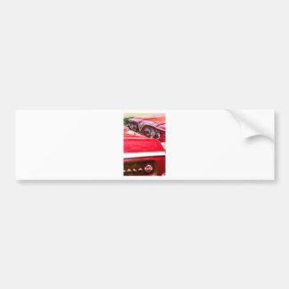 Dois Impalas vermelhos de Chevy com luzes Adesivo