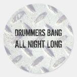 Dos bateristas do golpe etiquetas toda a noite adesivos redondos