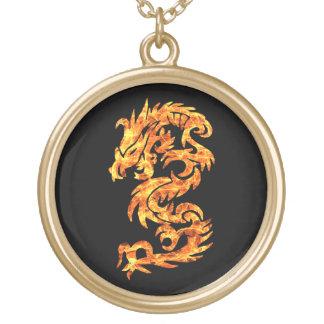 Dragão da chama colar banhado a ouro