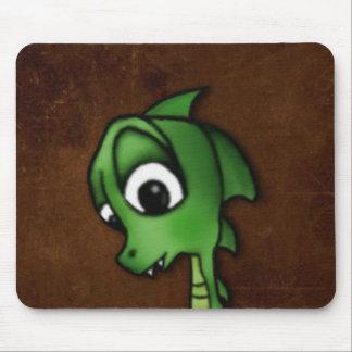 Dragão dos desenhos animados mouse pads