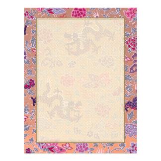 Dragões roxos cor-de-rosa e teste padrão de flores modelo de panfletos