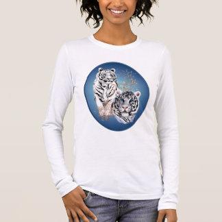 Duas camisas brancas do Oval dos tigres