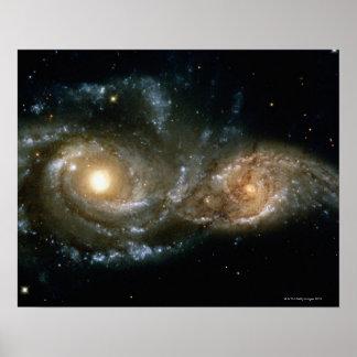 Duas galáxias espirais 2 pôster