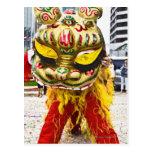 Duas pessoas no traje chinês do dragão, Qingdao, Cartoes Postais