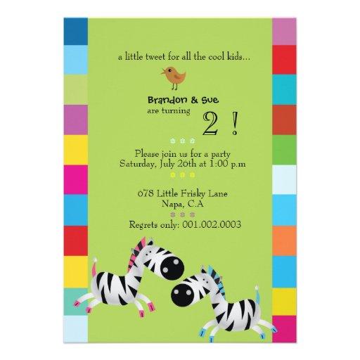 Duas zebras - a festa de aniversário dos gêmeos do convite