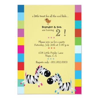 Duas zebras - a festa de aniversário dos gêmeos do convite 12.7 x 17.78cm