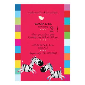 Duas zebras - a festa de aniversário gêmea vermelh convites personalizados