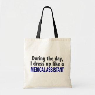 Durante o dia eu visto-me acima como um assistente bolsas de lona