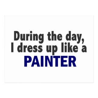 Durante o dia eu visto-me acima como um pintor cartão postal