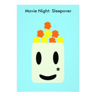 É noite de cinema toda a noite: Sleepover Convites Personalizados