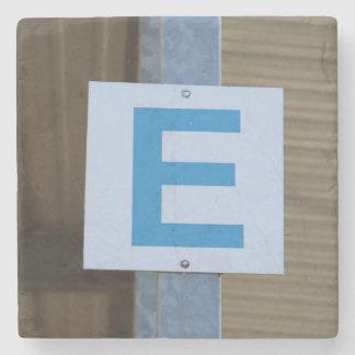 E - Porta copos de pedra de mármore
