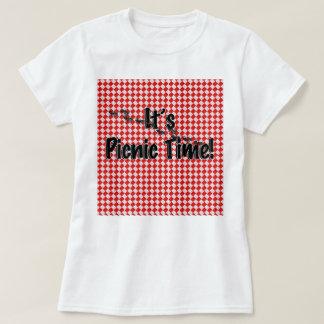É tempo do piquenique! Pano de mesa Checkered Camiseta