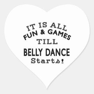 É todo o divertimento & jogos até que começos da adesivo de coração