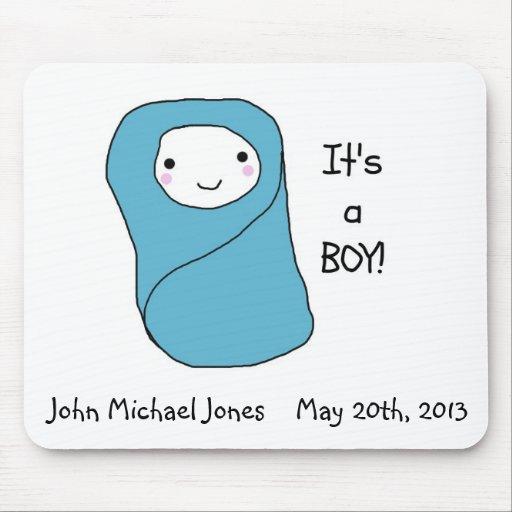É um anúncio novo do nascimento do bebê do menino mousepads
