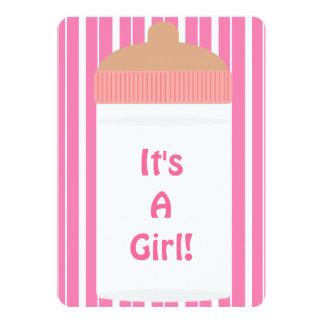 É um chá de fraldas da garrafa de bebê das listras convite 12.7 x 17.78cm