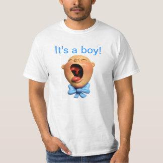 É um menino! t-shirt