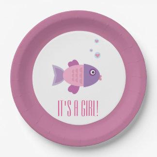 É um peixe que dos desenhos animados da menina o prato de papel
