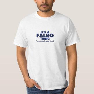 É um t-shirt do sobrenome da coisa de Falbo