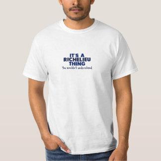 É um t-shirt do sobrenome da coisa de Richelieu