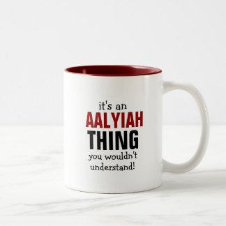 É uma coisa que de Aalyiah você não compreenderia Caneca De Café Em Dois Tons