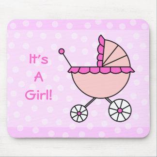 É uma menina! Carruagem de bebê cor-de-rosa Mouse Pad