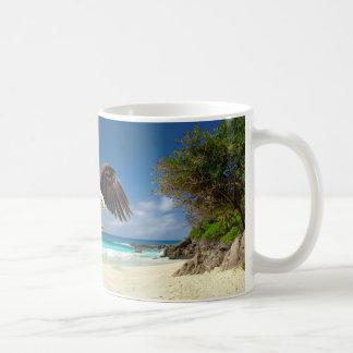 Eagle aterrou a caneca de café