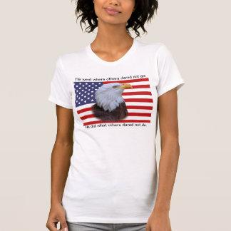 Eagle patriótico e bandeira dos EUA Camiseta