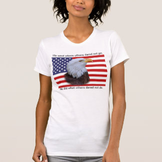 Eagle patriótico e bandeira dos EUA Tshirts