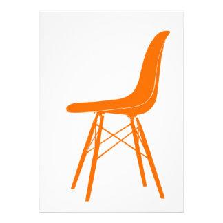 Eames moldou a cadeira lateral plástica