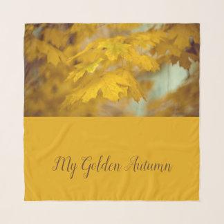 Echarpe Folhas de bordo amarelas do outono. Adicione o