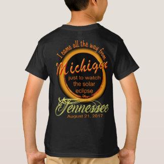 Eclipse solar - Michigan às camisas do miúdo do TN