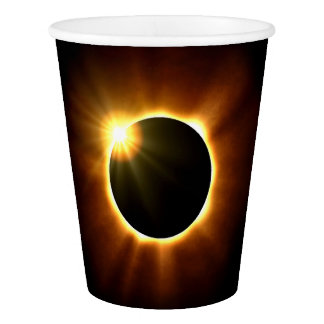 Eclipse solar total - copos de papel