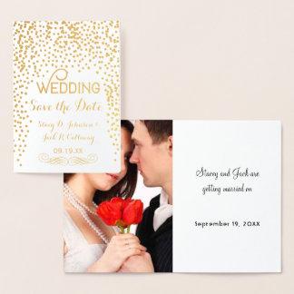 Economias da foto a tipografia dos confetes do cartão metalizado