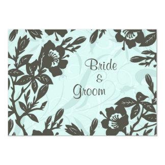 Economias florais azuis do casamento o cartão de convite