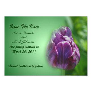 Economias roxas do casamento da flor da tulipa a convite 12.7 x 17.78cm