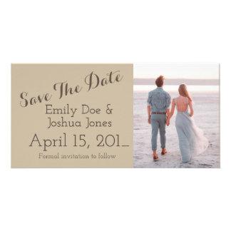 Economias simples do anúncio do noivado a data
