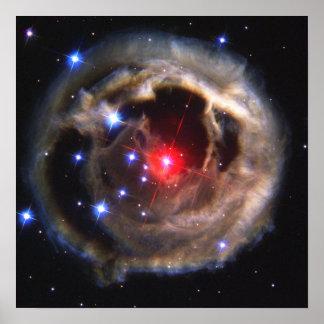 Ecos claros da estrela Supergiant vermelha V838 Mo Posters