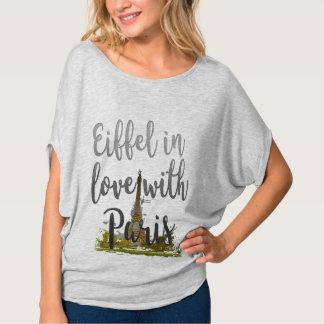 Eiffel no amor com as camisetas engraçadas bonitos