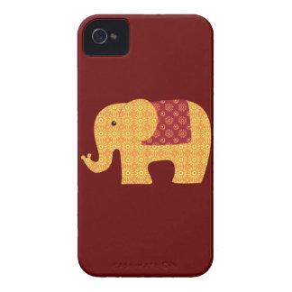 Elefante alaranjado bonito da flor no vermelho capa para iPhone 4 Case-Mate
