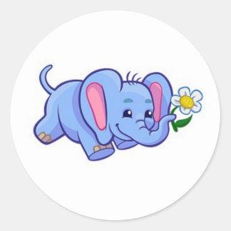 Elefante bonito com os miúdos do animal da selva adesivo