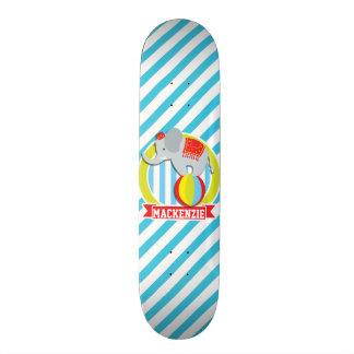 Elefante do circo na bola; Listras dos azuis bebés Skate Boards