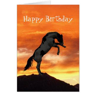 Elevando cartões de aniversário do cavalo