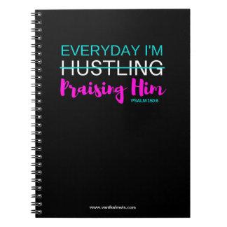 Elogiando o caderno