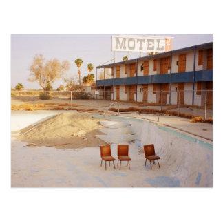 Em férias: Deixe-nos relaxar na piscina! Cartão Postal