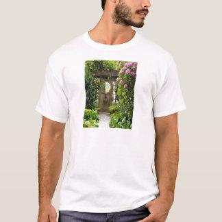 Em torno de Grâ Bretanha,     os rosas arredondam Camiseta