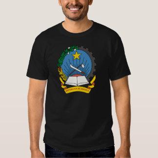 emblema de angola t-shirts