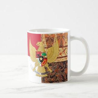 Emblema de Indonésia - bandeira do Batik de Garuda Caneca De Café